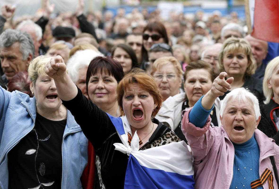 2014-04-21T135533Z_1556526462_GM1EA4L1ORO01_RTRMADP_3_UKRAINE-CRISIS