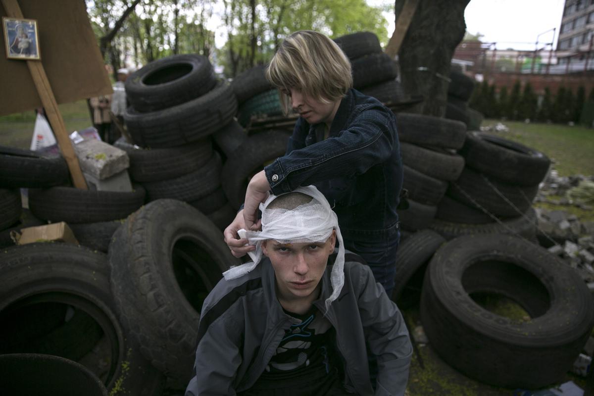 2014-04-24T173355Z_44205745_GM1EA4P00H401_RTRMADP_3_UKRAINE-CRISIS