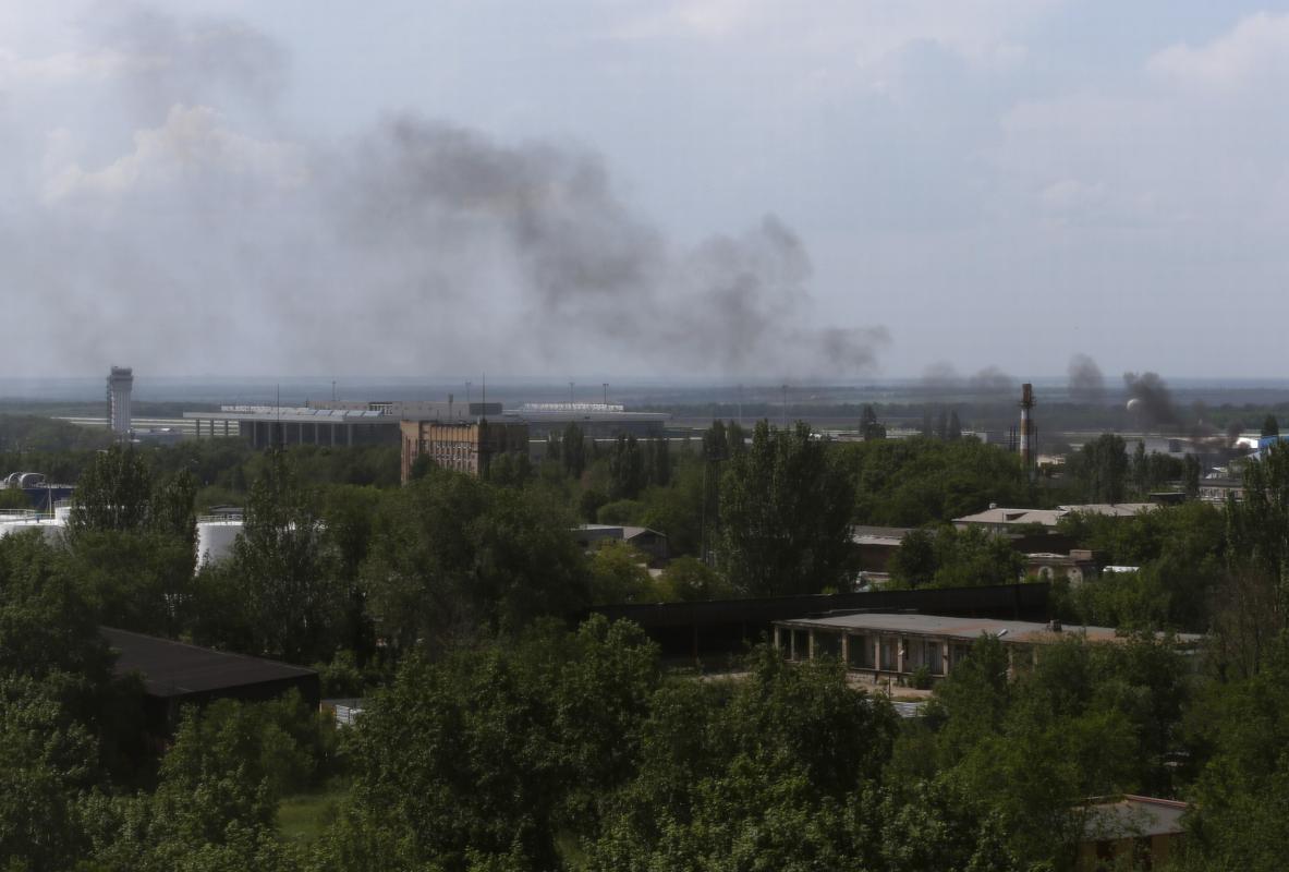 2014-05-26T121928Z_1775883659_GM1EA5Q1KCV01_RTRMADP_3_UKRAINE-CRISIS-AIRPORT