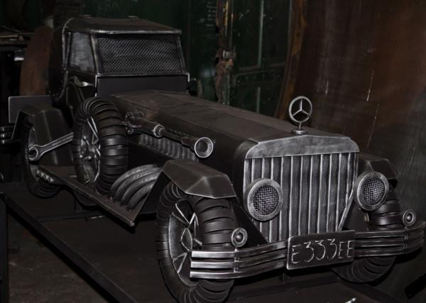 Эксклюзивный ретромобиль-мангал на выставке металлообработки в Красноярске