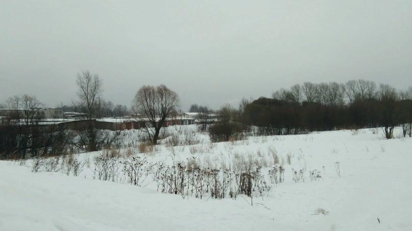 Дальше всё такая же пустая и необлагороженная территория:(