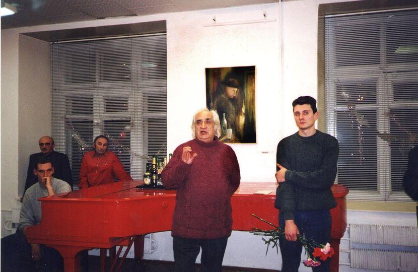 Справа налево: художник Александр Трифонов, поэт Александр Тимофеевский, певец и композитор Анатолий Шамардин и т. д.