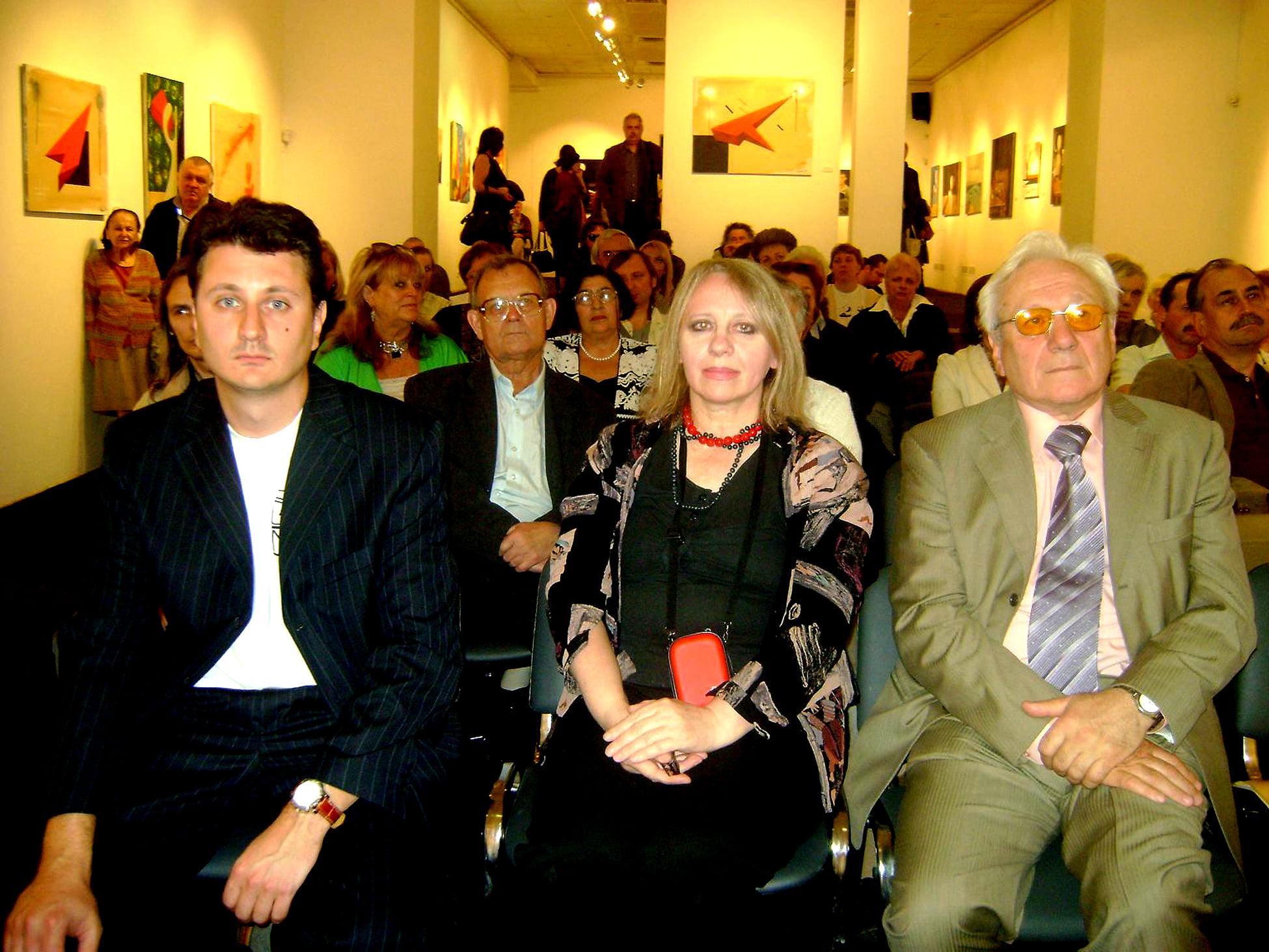 Александр Трифонов, Нина Краснова, Сергей Филатов. Галерея на Солянке. 2009.
