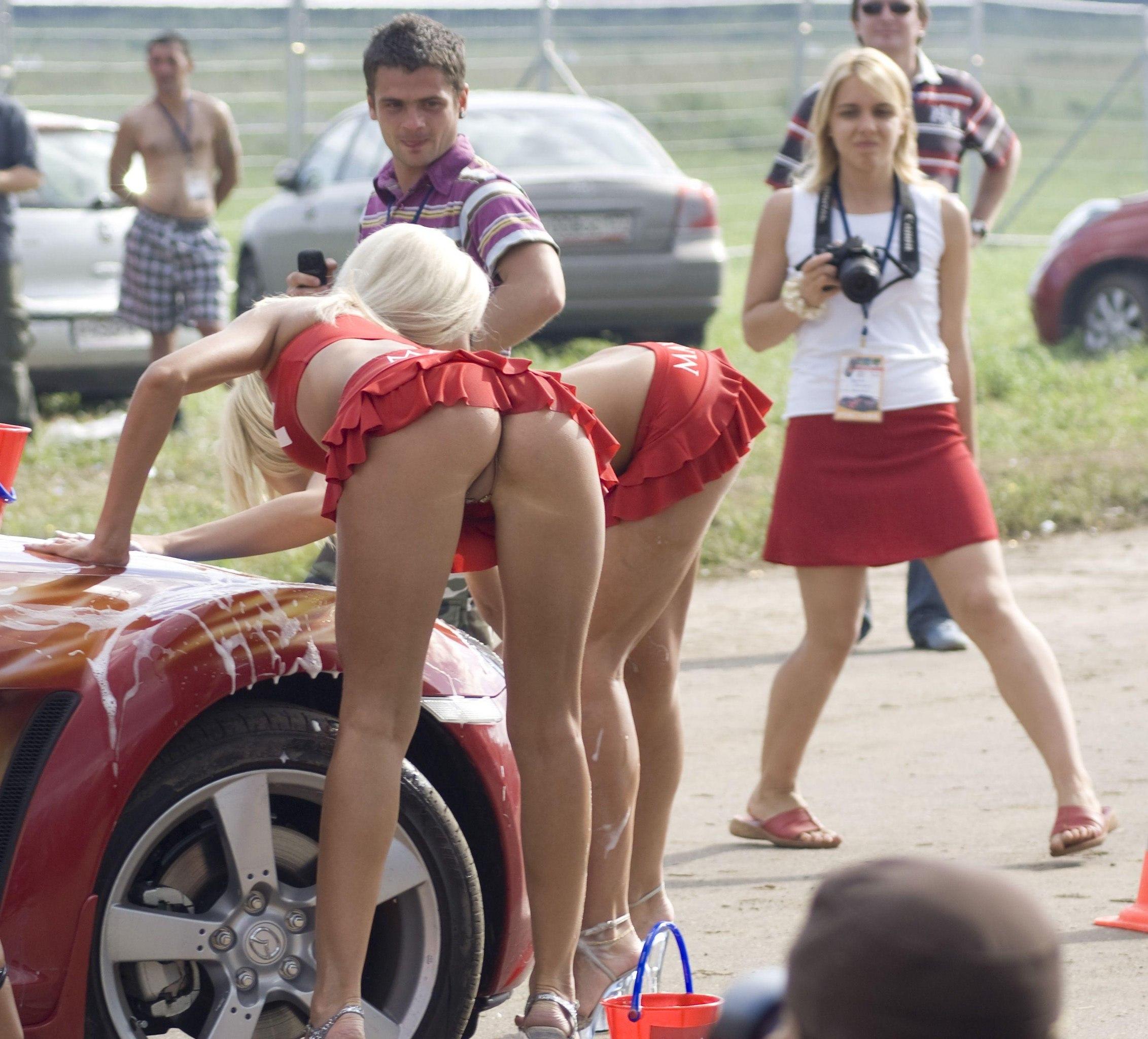 Эротические приколы на дорогах
