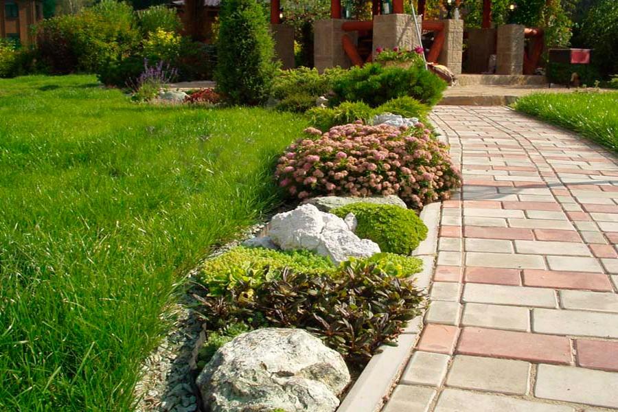 Красивый гранитный садовый бордюр на вашей даче 3