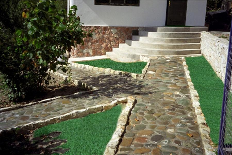 Красивый гранитный садовый бордюр на вашей даче 6