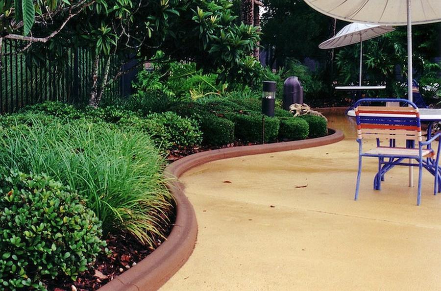 Красивый гранитный садовый бордюр на вашей даче 7