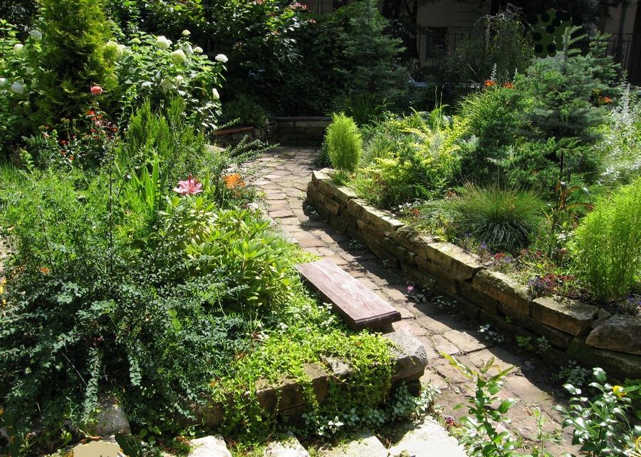 Красивый гранитный садовый бордюр на вашей даче 10