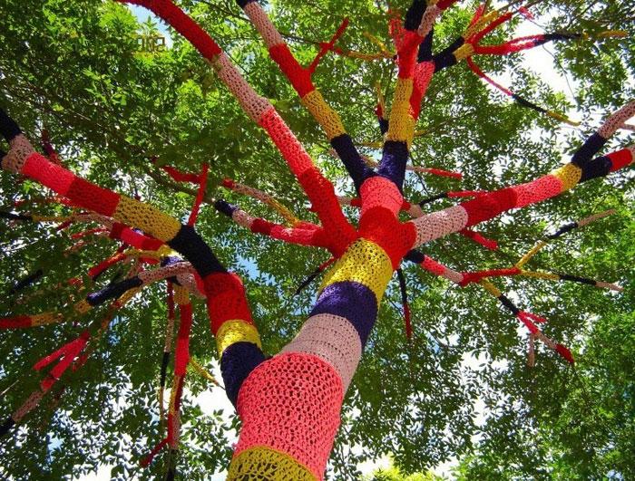 свитер для дерева