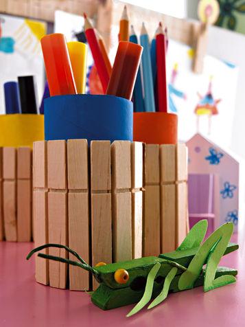 подставка для карандашей из прищепок