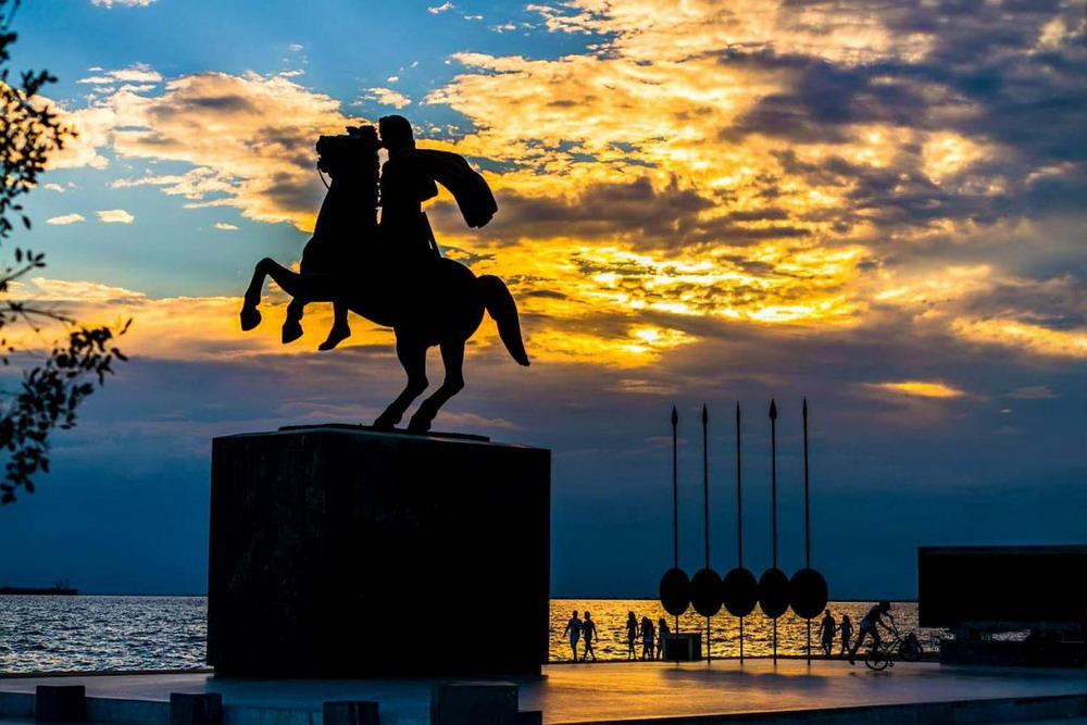 Памятники македонии картинки