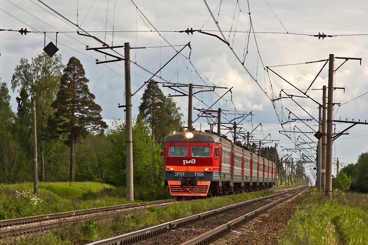 ЭР2Т-7206 около о.п. Низовская