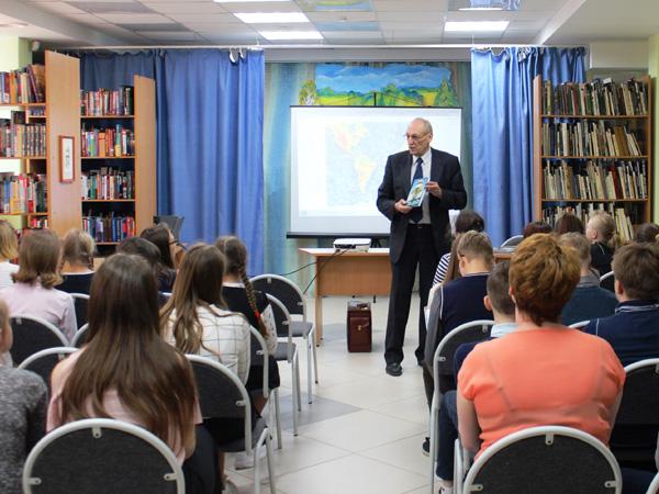 Саша Кругосветов на встрече с читателями