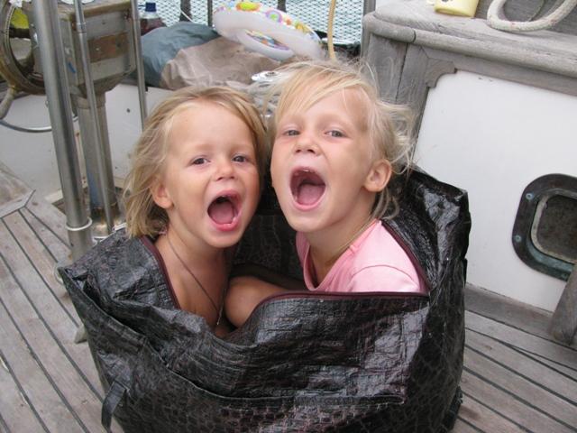 Две девочки трахаются в школе фото 118-419