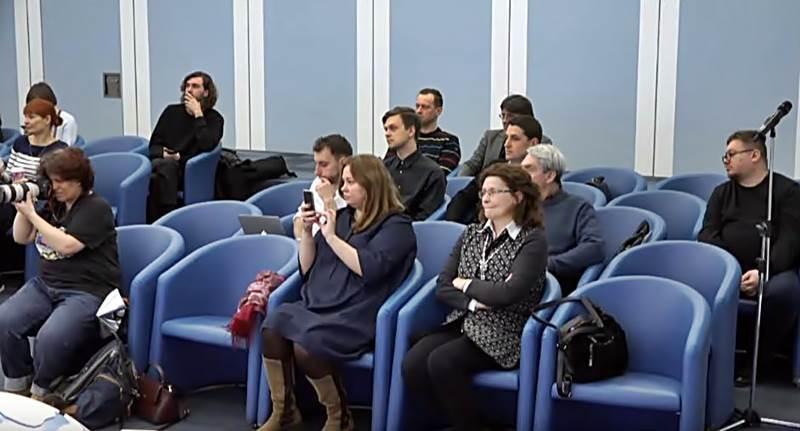 журналисты в тасс-1.JPG