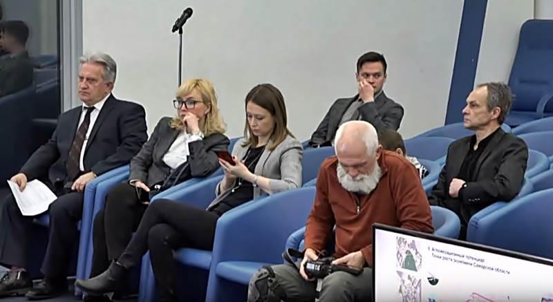 журналисты в тасс-2.JPG