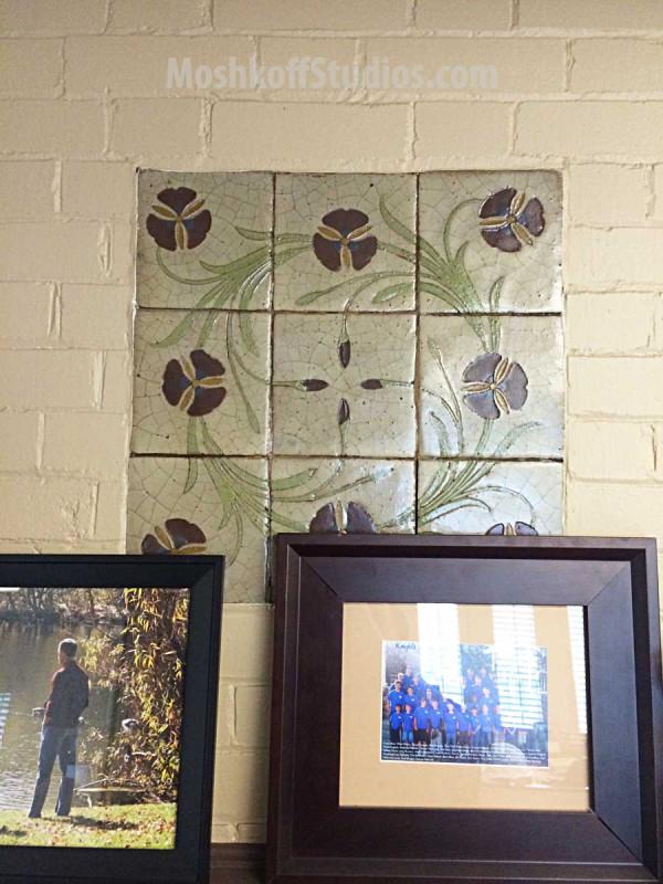 Панно из керамической плитки ручной работы Van Briggle - в кабинете директора коллежда