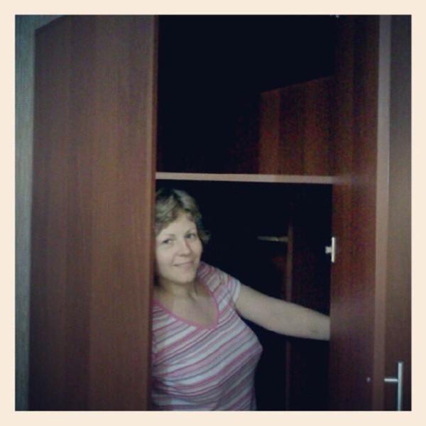 В новом шкафу