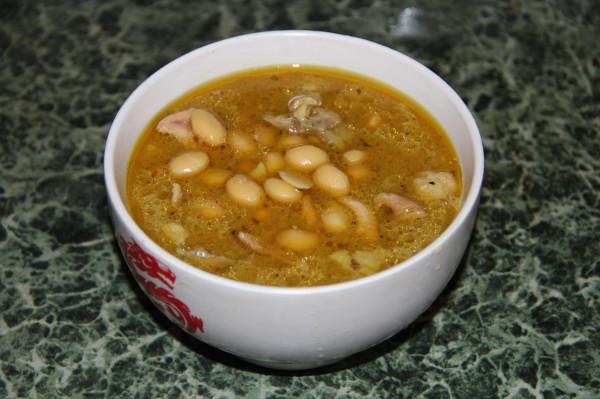 Суп из бобов долихос