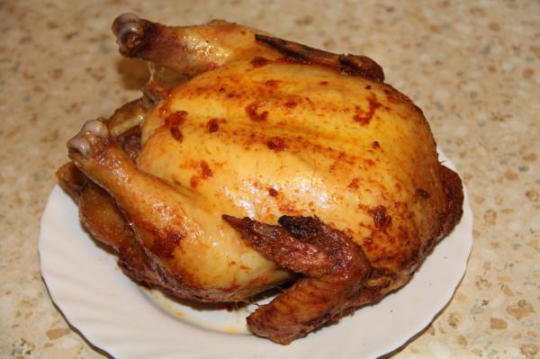 курица в чесночно-папричной обмазке