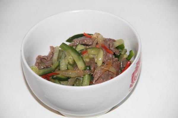Корейский салат с огурцами