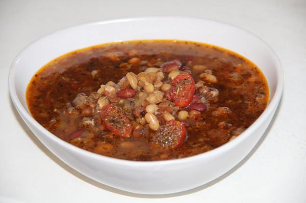 Фасолевый суп с ажгоном и вялеными черри