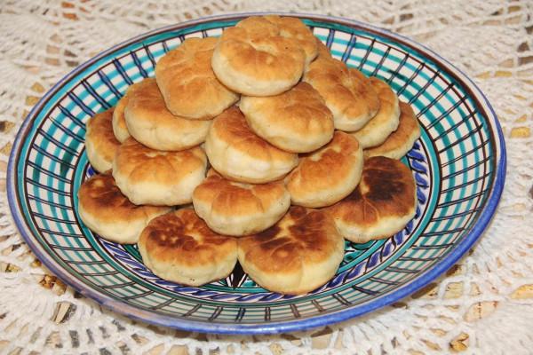 пирожки жареные с картошкой и квашеной капустой