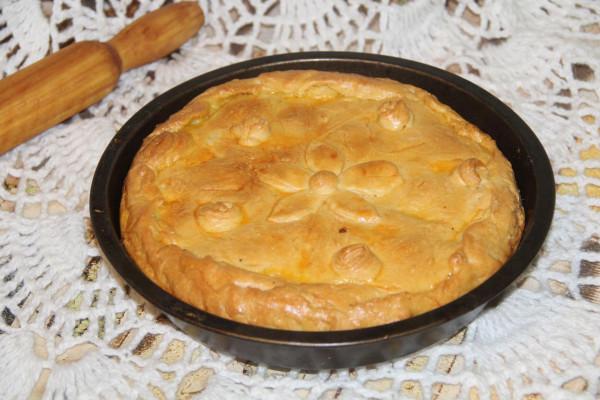 пирог рыбный со скумбрией и форелью