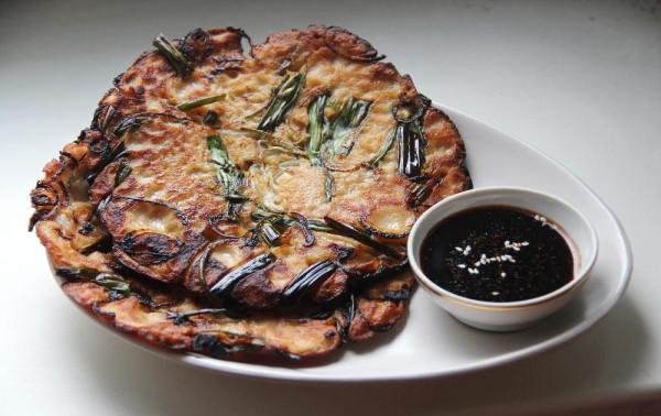 Пачжон - корейские блинчики с луком