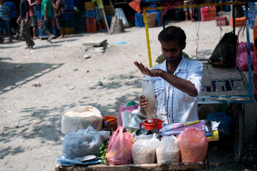 Торговец уличной едой.