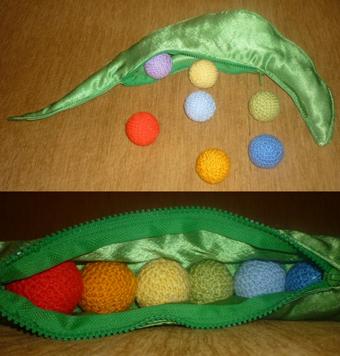 Как сделать развивающие игрушки своими руками для детей от 1.5 лет