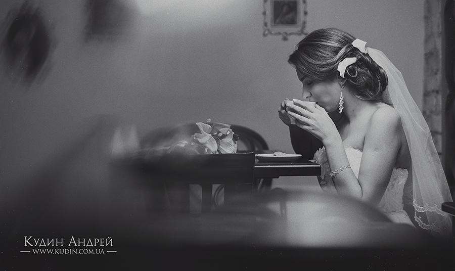 Невеста, свадьба, кофе, ресторан...