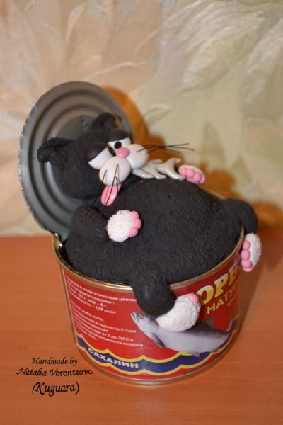 Кот в банке-2 сбоку