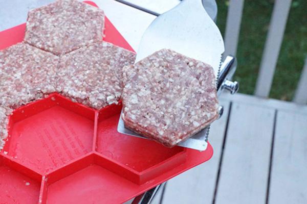 burger-master-press-store-8-hexagonal-burger-patties-5