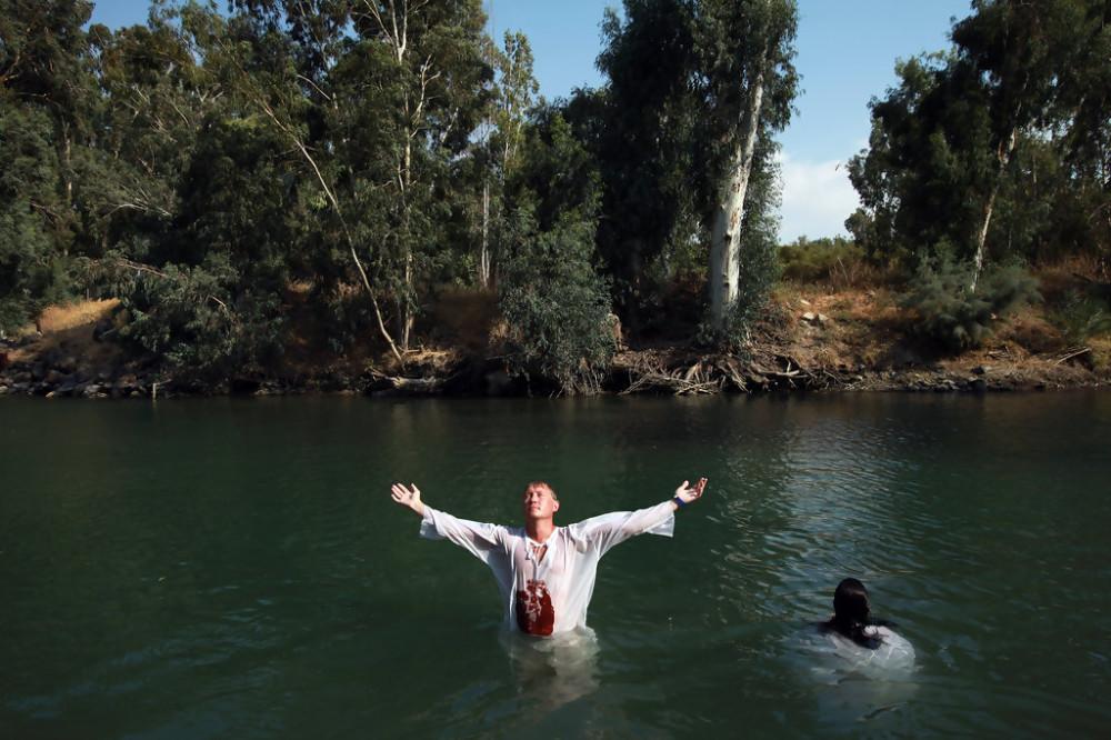 Christian+Pilgrims+Baptised+River+Jordan+7KIKS0pjiVHx