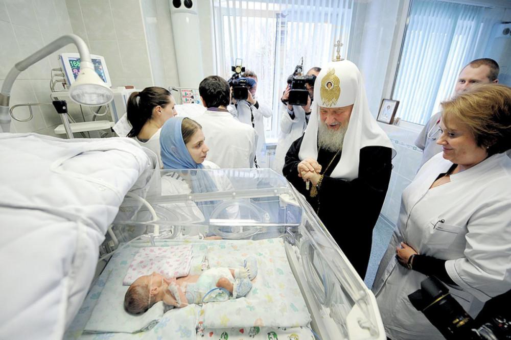 Сможет ли церковь остановить аборты в России
