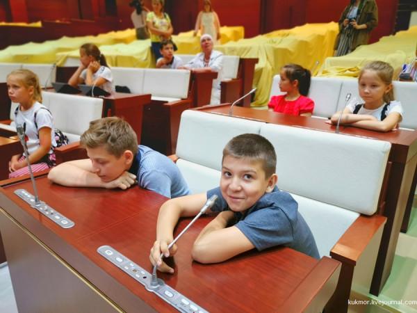 Зуб мамонта и другие секреты Татарстанского парламента. Знакомство с профессией от ДДД для детей!
