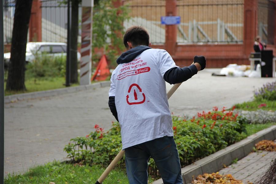 25 августа 2012 субботник в Казани 04