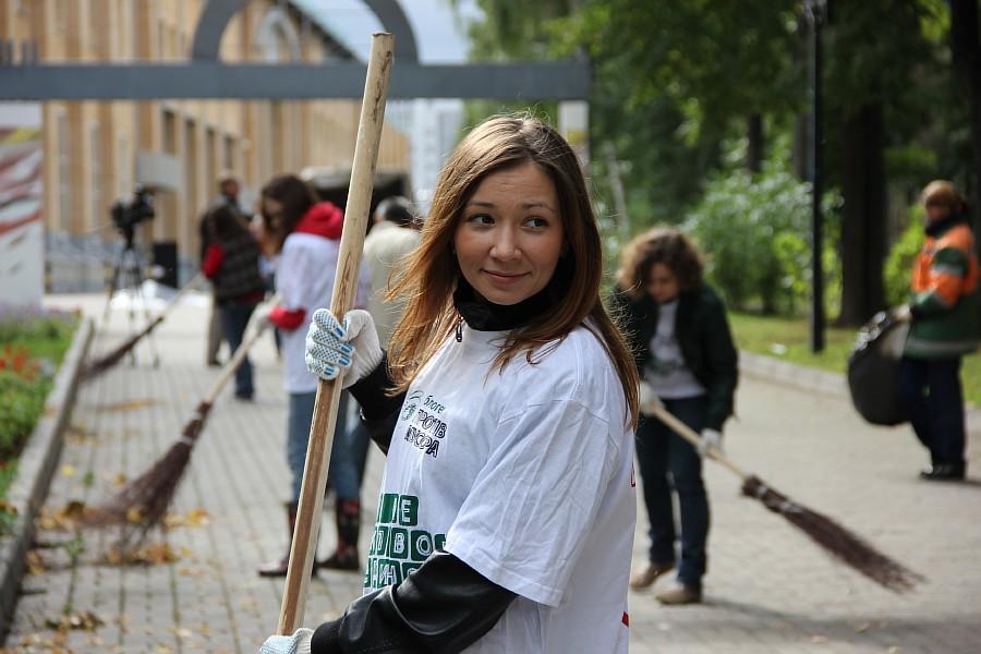 25 августа 2012 субботник в Казани 05