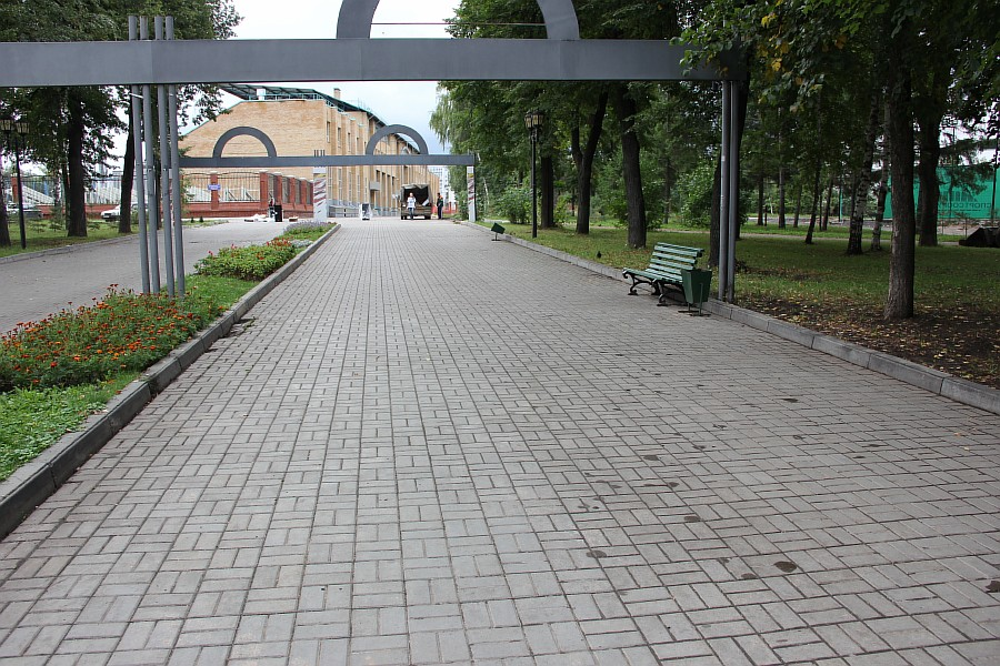 25 августа 2012 субботник в Казани 07