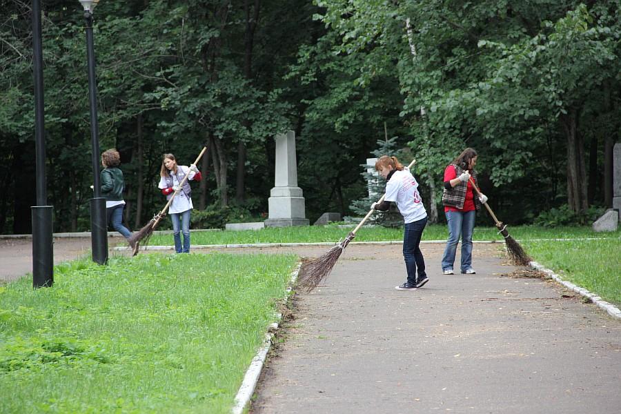 25 августа 2012 субботник в Казани 15