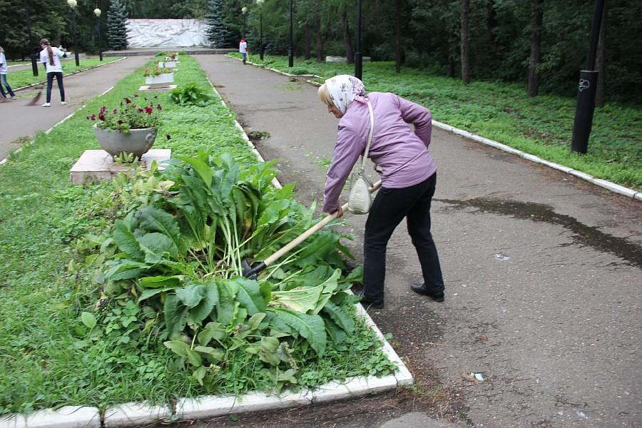 25 августа 2012 субботник в Казани 19