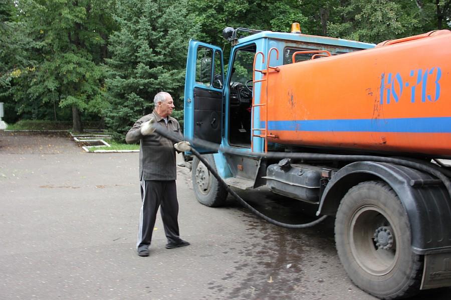25 августа 2012 субботник в Казани 25