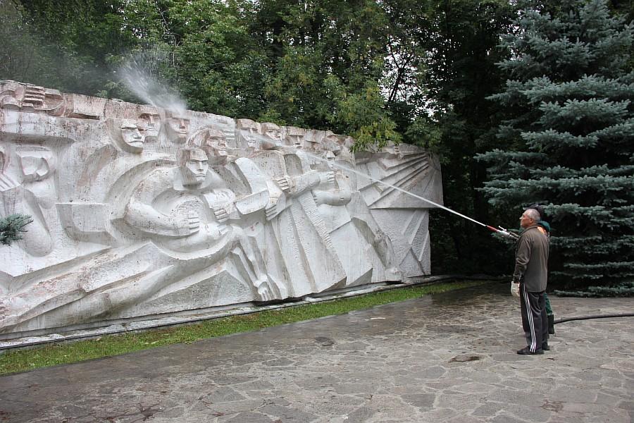 25 августа 2012 субботник в Казани 31
