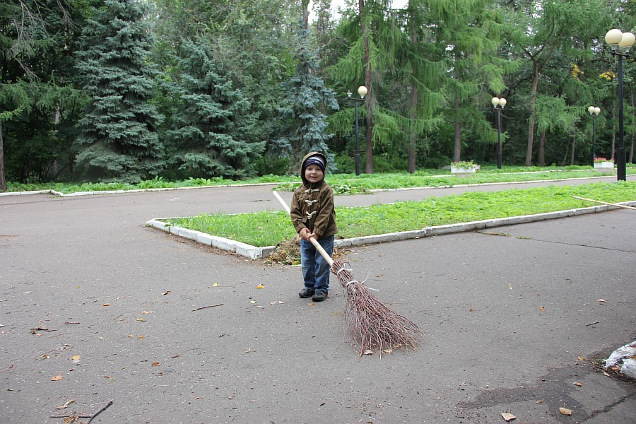 25 августа 2012 субботник в Казани 34