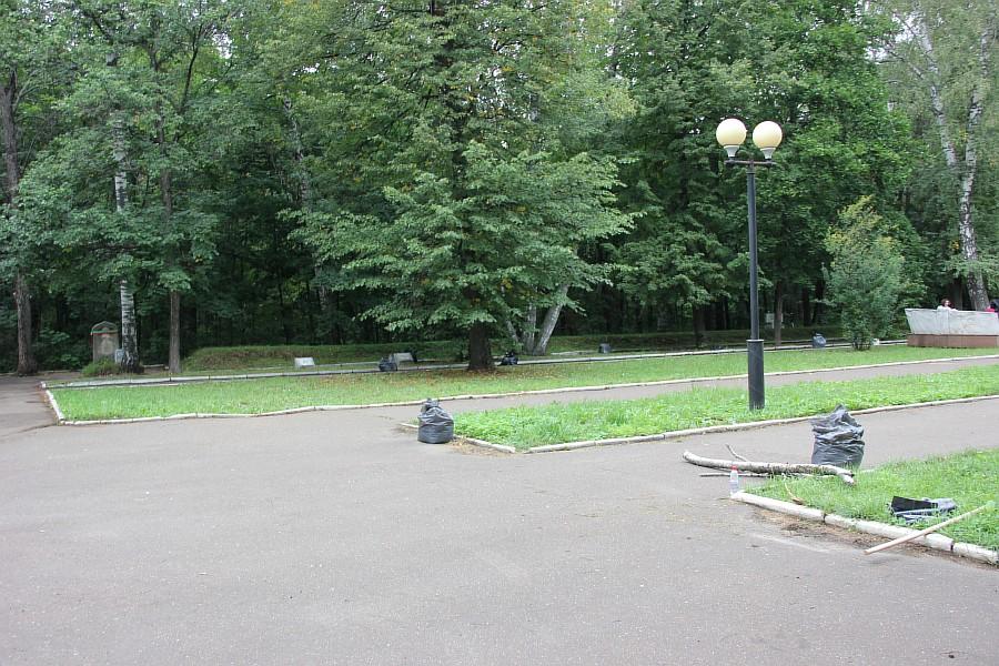 25 августа 2012 субботник в Казани 39