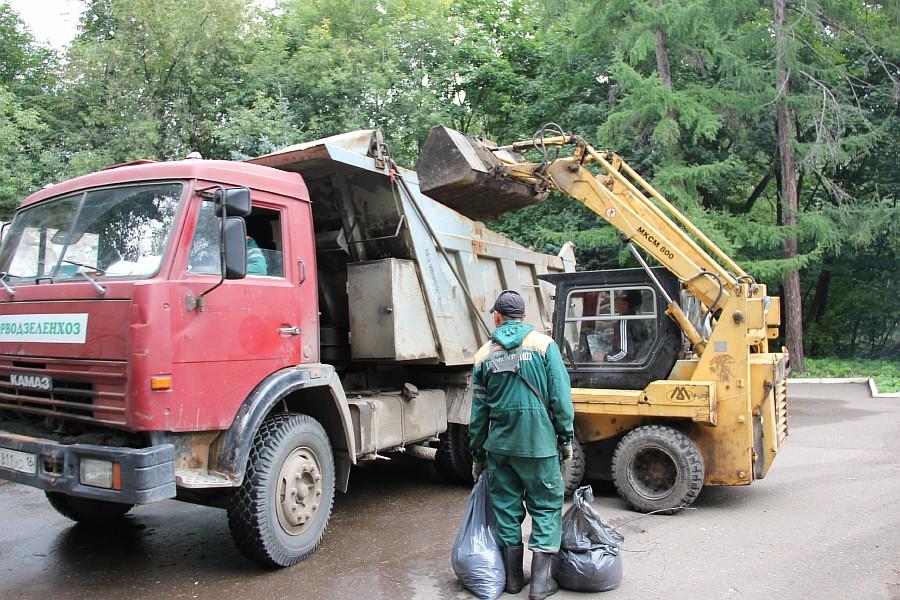 25 августа 2012 субботник в Казани 40