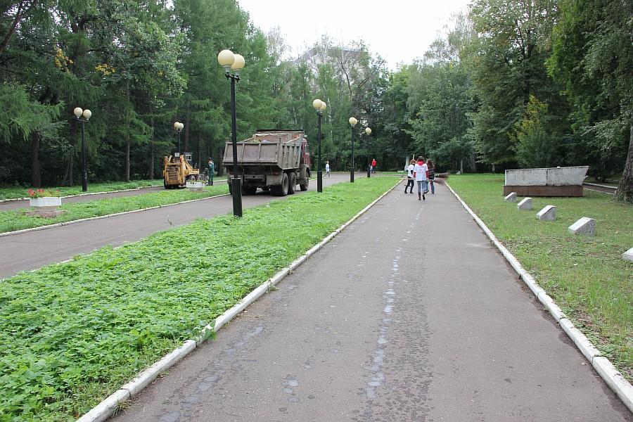 25 августа 2012 субботник в Казани 46
