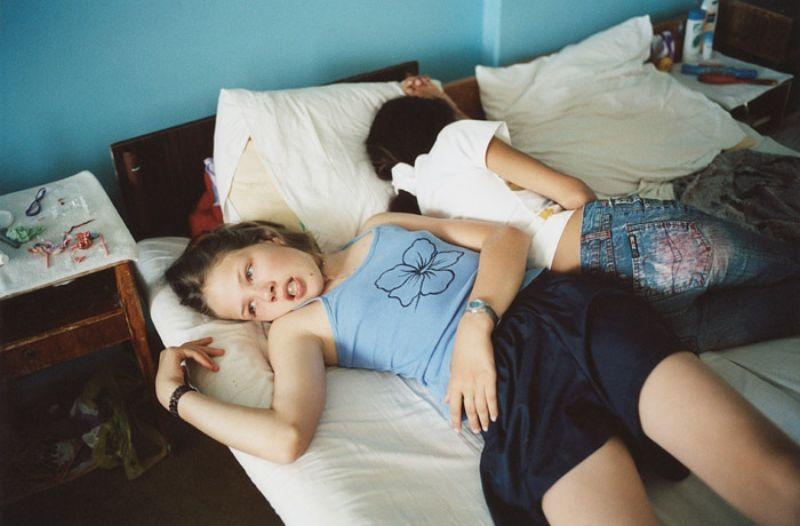 приемную дочь подсматрела у спящего отчима
