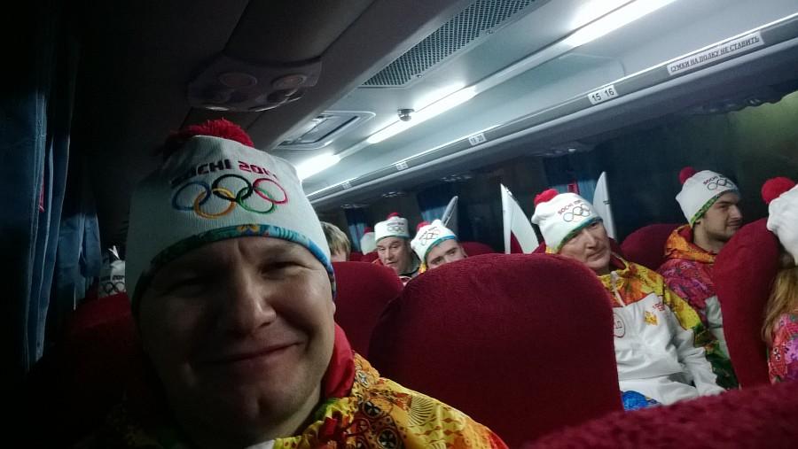 4III44396, Олимпийский огонь, Аксанов Нияз, блогеры, kukmor, путешествия, фотография, sochi2014, Сочи2014, олимпиада,  Эстафета Олимпийского огня, Барнаул, Алтайский край